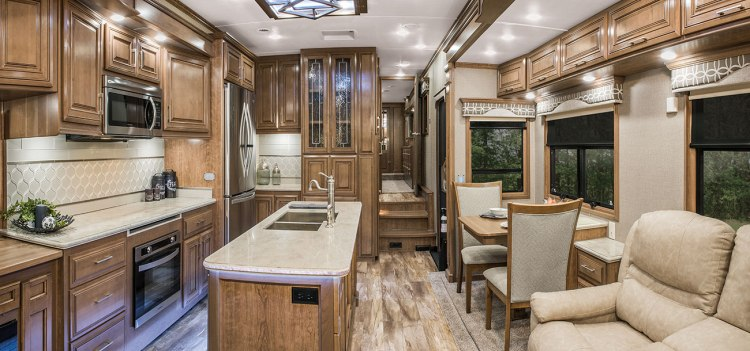 2018-DRV-Mobile-Suites-38RSSA-Kitchen