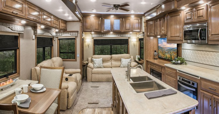 2018-DRV-Mobile-Suites-38RSSA-Living-Room